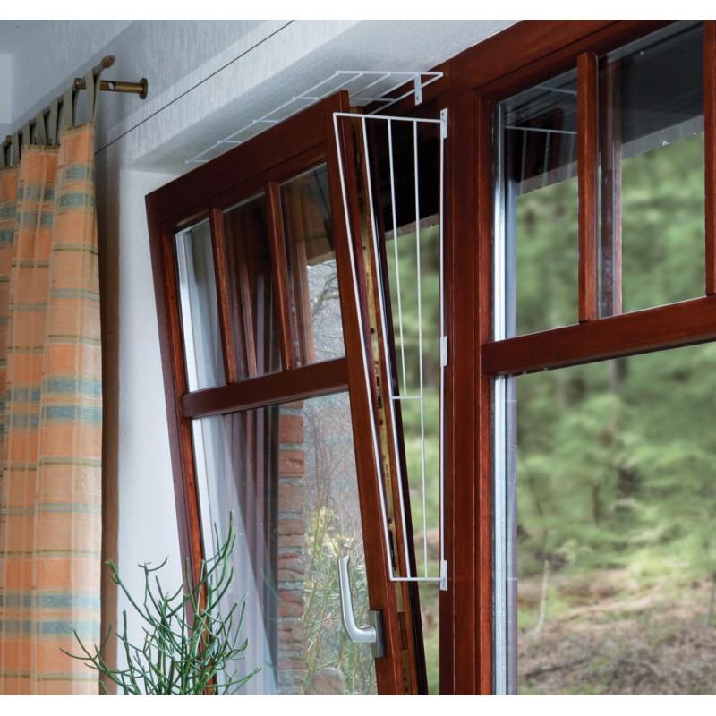 Kratka zabezpieczająca dla kota na okno