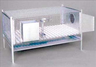 Klatka jednostanowiskowa  dla królików z wykotnikiem i zaopatrzeniem